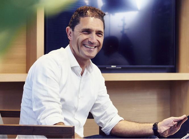 Steven Arrazola de Oñate, iFacto