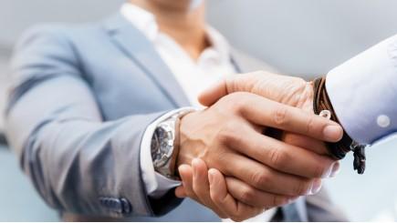 Hoe bepaal je de waarde van een over te nemen bedrijf?