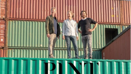 PLNT: indoor vertical farm Antwerpen