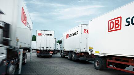 DB Schenker vrachtwagens © Rüdiger Nehmzow