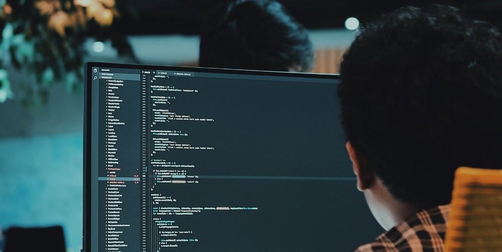 S19 leert jongeren programmeren