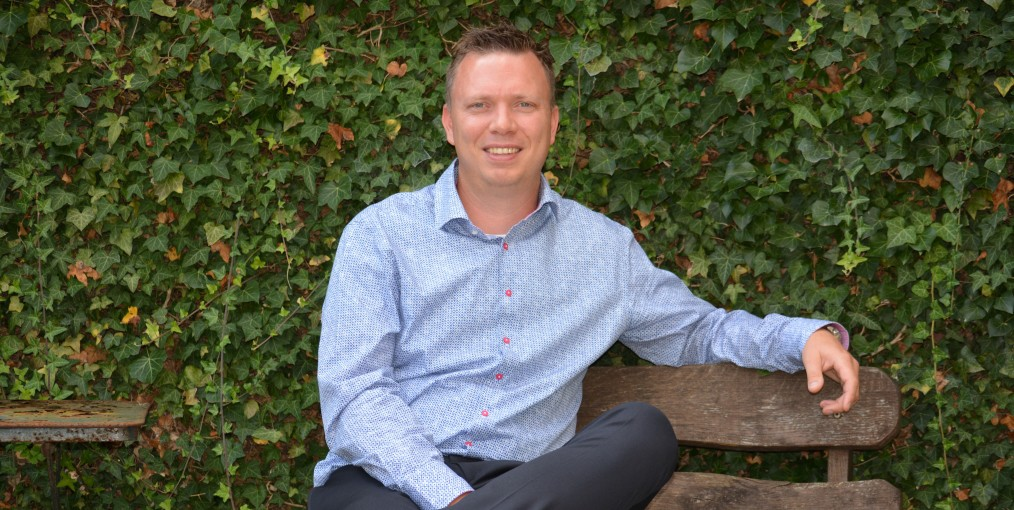 Maarten Dom, verzekeringsmakelaar