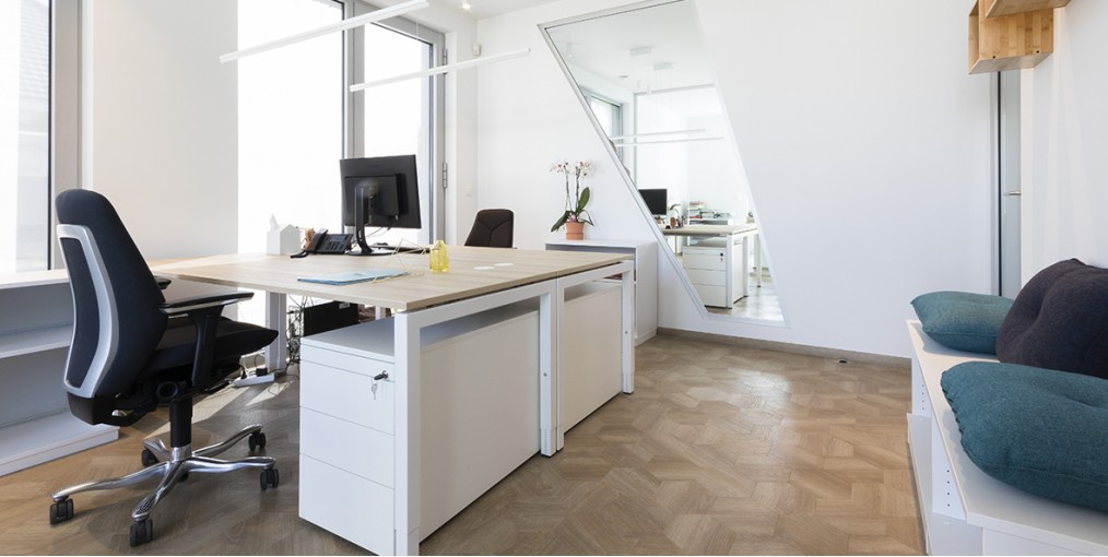 Licht En Interieur.Een Licht En Strak Maar Warm Interieur In Je Kantoor Kies